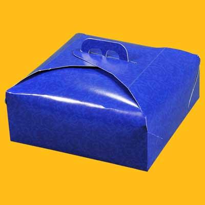 Scatolificio Martinelli Srl: contenitori porta torta realizzati esclusivamente in cartoncino accoppiato nel rispetto dell'ambiente e della salute del consumatore finale